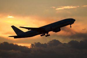 Как пережить трудности длительного авиаперелета