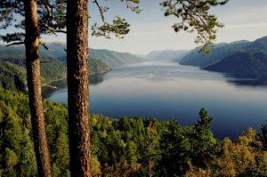Туризм и путешествия по сибирскому региону